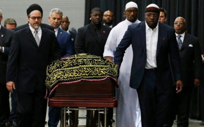 100232178_muhammad-ali-coffin-world-large_trans++BIhf9vY3F0gQVGEB0QvnDqbO8fhlrwGaM5ysrm1s_2M