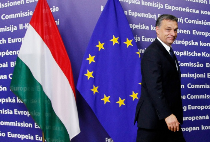 Hungary's Prime Minister Viktor Orban arrives at the European Commission headquarters in Brussels January 24, 2012. REUTERS/Francois Lenoir (BELGIUM - Tags: POLITICS)